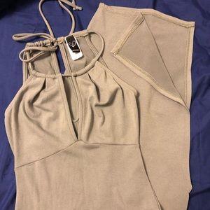 Dresses & Skirts - Maxi dress light green